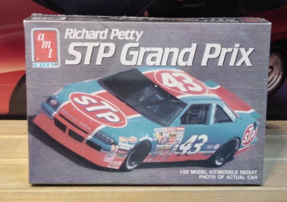 #43 STP Richard Petty 1990 Grand Prix AMT Kit Sealed