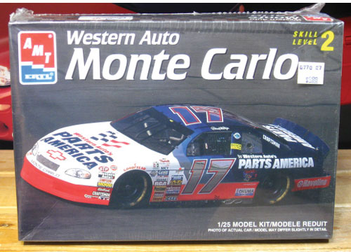#17 Western Auto Darrell Waltrip 1997 Monte Carlo AMT Kit Sealed