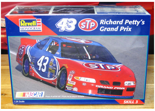 #43 STP Grand Prix 1997 Grand Prix Revell Kit Sealed
