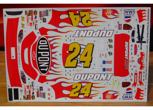 #24 Dupont Jeff Gordon 2004 Revell