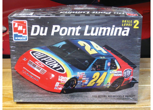 #24 DuPont Jeff Gordon 1993 Lumina AMT Kit Sealed