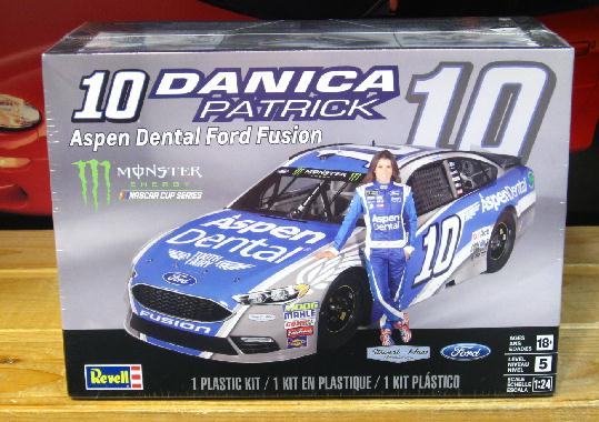 #10 Aspen Dental Danica Patrick 2017 Fusion Kit Sealed