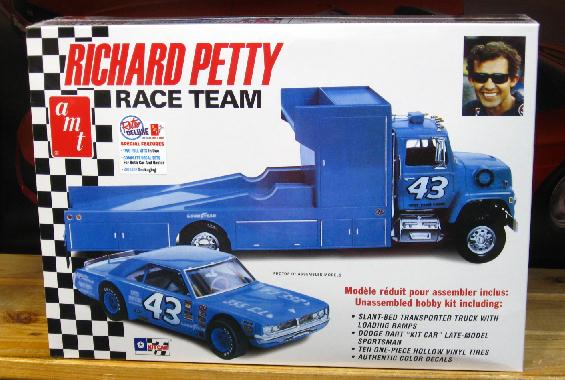 AMT Richard Petty Race Team Kit Sealed
