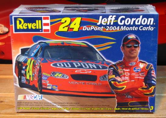 #24 DuPont Jeff Gordon 2004 Monte Carlo Kit