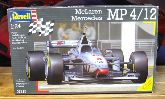 Revell McLaren Mercedes MP4/12 Kit