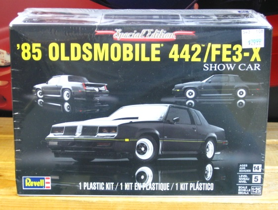 Revell 1985 Olds 442/FE3-X Kit Sealed