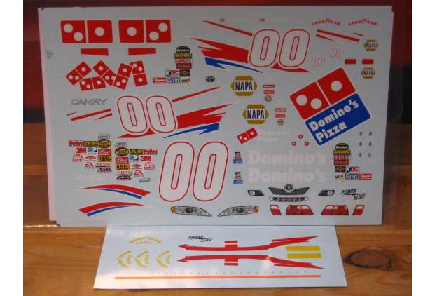 # 00 Domino's David Reutimann 2006 Powerslide