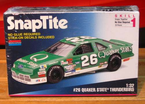 Monogram #26 Quaker State Brett Bodine 1993 1/32 Scale Kit Sealed