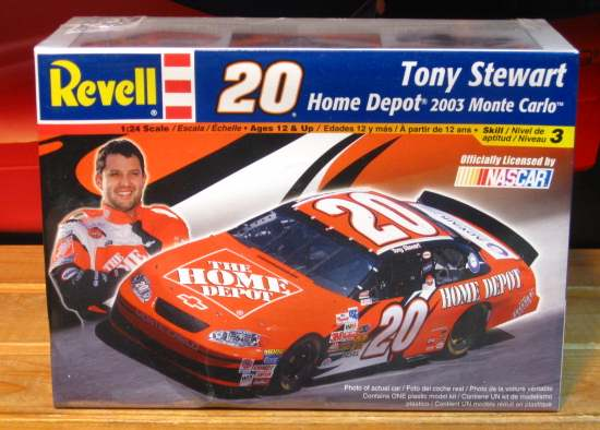 #20 Home Depot Tony Stewart 2003 Revell Kit Sealed