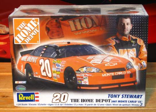 #20 Home Depot Tony Stewart 2007 Revell Kit Sealed