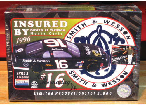 #16 Smith & Wesson Racing Reflections Kit Sealed