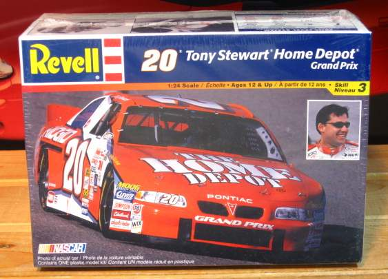 #20 Home Depot Tony Stewart 2000 Grand Prix Revell Kit