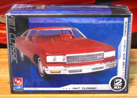 AMT 1976 Chevy Caprice w/Trailer Kit Sealed