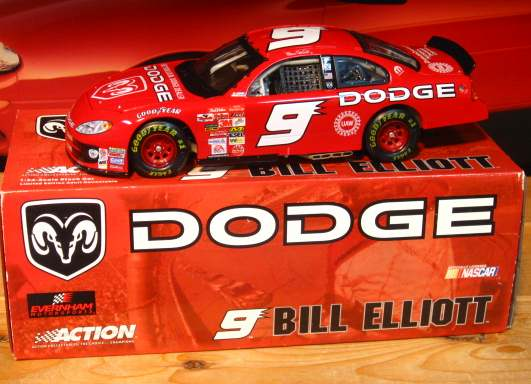Bill Elliott #9 Dodge 2003 Intrepid Action 1/24