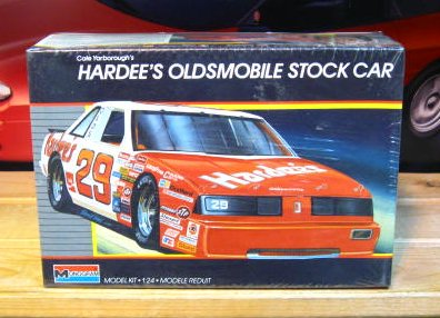 #29 Hardees Cale Yarborough 1987 Monogram Kit Sealed