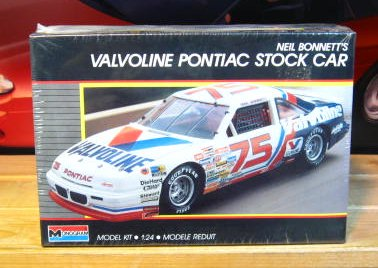 #75 Valvoline Neil Bonnett 1989 Monogram Kit Sealed