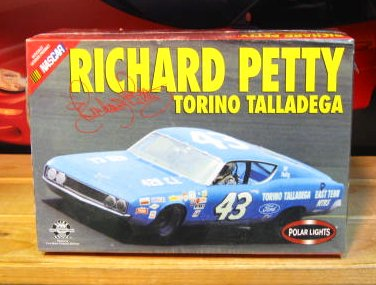 #43 Petty Torino Talladega Polar Lights Original 2001 Issue