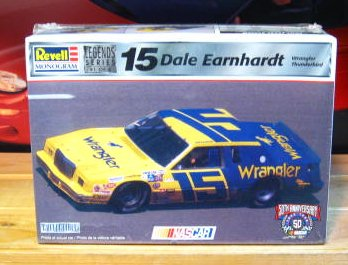 #15 Wrangler Dale Earnhardt 1982 Thunderbird Legends Kit Sealed