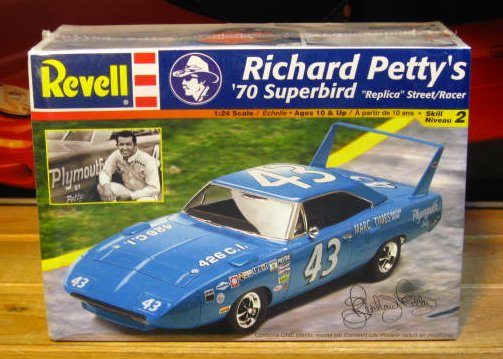 Revell Richard Petty 1970 Superbird Replica Street Car Kit Sealed