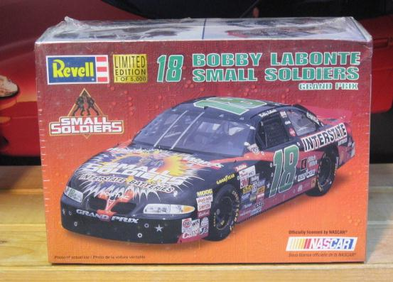 #18 Small Soldiers Bobby Labonte 1998 Revell Kit Sealed
