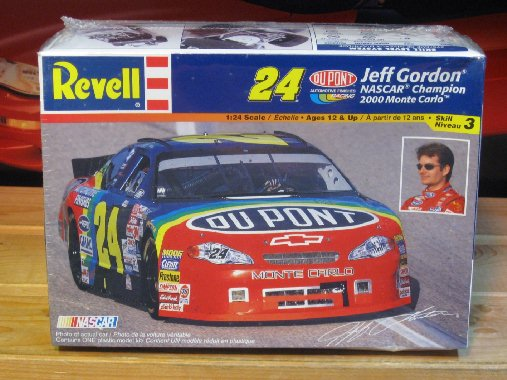 #24 DuPont Jeff Gordon 2000 Monte Carlo Kit Sealed