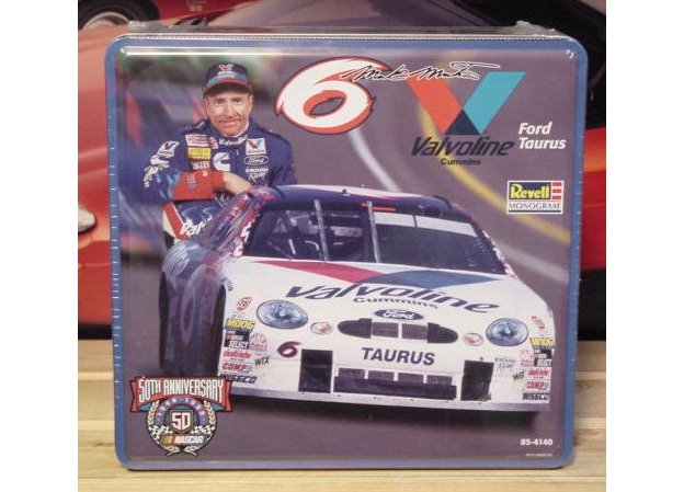 # 6 Valvoline Mark Martin 1998 Revell Tin Sealed